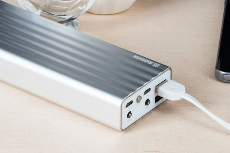 Power Bank Remax Vanguard 20000 mAh